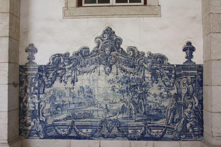 Lisboa, Monastery of São Vicente de Fora [photo: Sabine Rissmann] #globalframes #architecturalsimulation #sculpturalsimulation #blueandwhite #volumetric #figurative #theatricality #azulejo #frame #collaborativetimeline