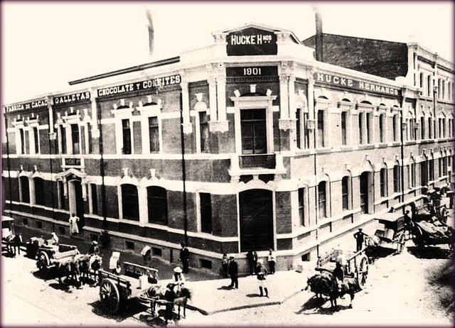HUCKE HERMANOS LA FABRICA DE CHOCOLATES 1903 by santiagonostalgico, via Flickr