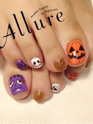 Pretty halloween nails