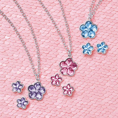 Glamour Girl - Flowery Necklace and Earring Set. 7.99 each set elizabeth.marra-chiodo@rogers.com  http://www.interavon.ca/elisabetta.marrachiodo