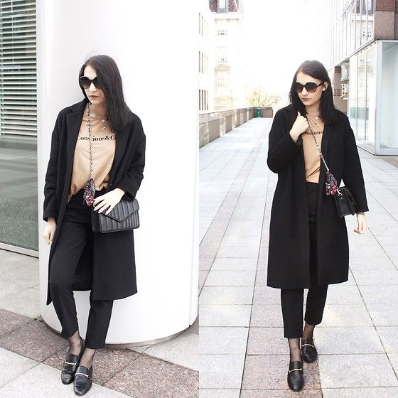 Get this look: http://lb.nu/look/8678595  More looks by Aleksandra Wojtysiak: http://lb.nu/07july07  Items in this look:  Stradivarius Coat, Stradivarius T Shirt, Zara Bag, Zara Trousers, Stradivarius Shoes, Stradivarius Sunglasses   #black #coat #stradivarius #zara #streetstyle #outfit #spring #minimalism #fashion