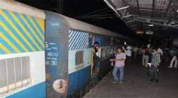 New refund rules to benefit wait listed rail passengers  Read complete story click here http://www.thehansindia.com/posts/index/2015-07-02/New-refund-rules-to-benefit-wait-listed-rail-passengers--160793