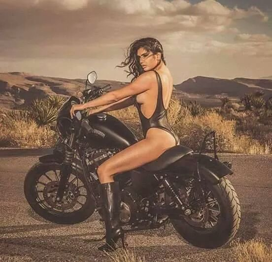 Big bikers motorcycles pussy eaters carnival girl