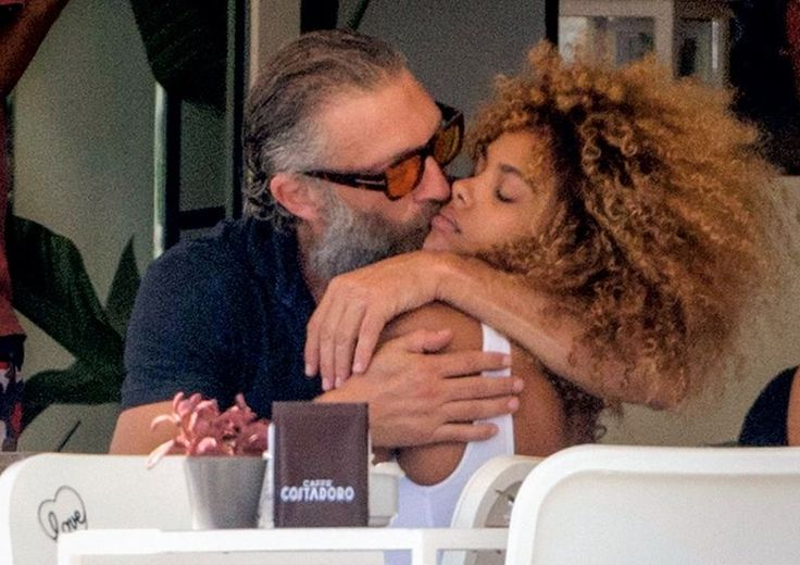 10 facts about the 19-year-old girlfriend of Vincent Cassel, Tina Kunakey