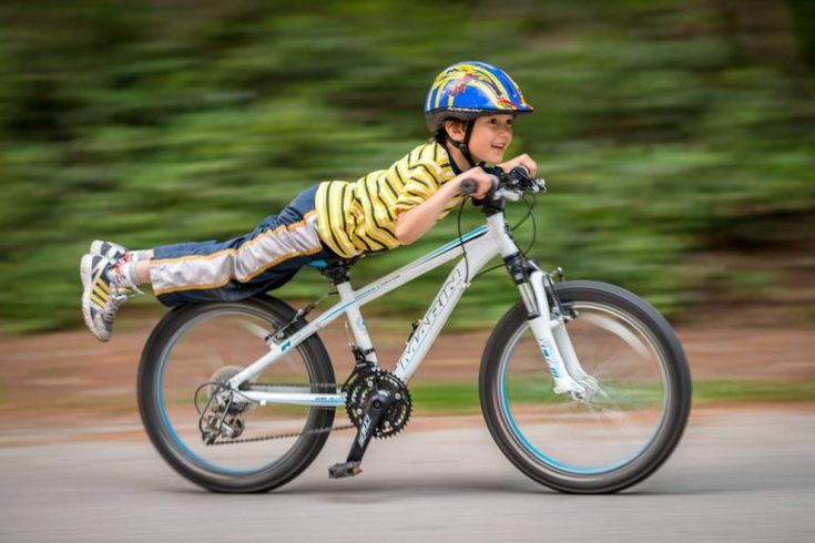 Kids on bikes #kid #kids #child #children #bike #bikes #bicycle #bicycles #bicycling #bicyclist #sport #sports #exercise #fitness #parent #parents #parenting #outdoor #health #exercise #outdoors #