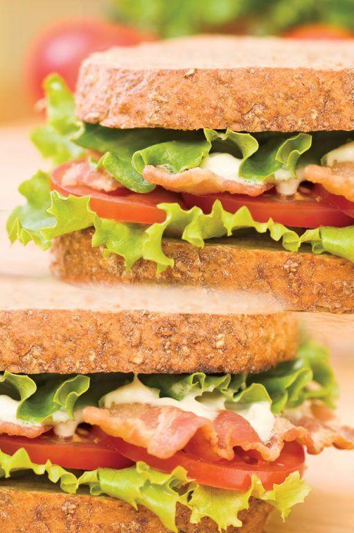 Σάντουιτς BLT (μπέικον, μαρούλι, ντομάτα)