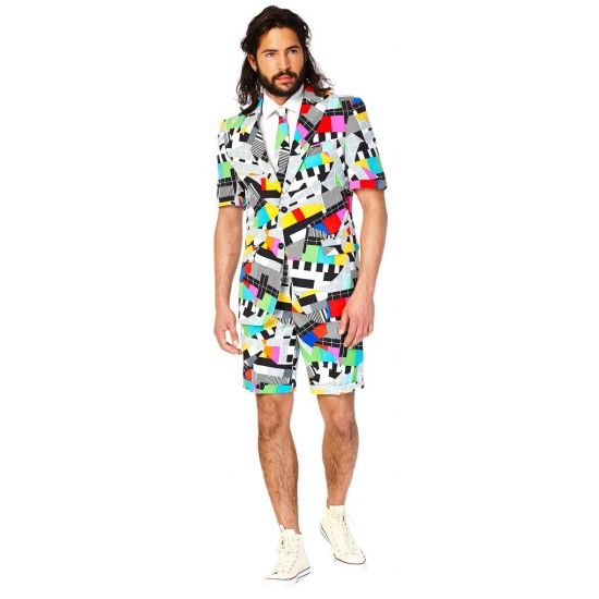 Testbeeld zomer kostuum inclusief stropdas. Dit testbeeld kostuum voor heren wordt geleverd met een stropdas in dezelfde kleur. Getailleerd heren colbert met korte mouwen en korte pantalon. Materiaal: 100% hoogwaardig polyester. Exclusief overhemd.