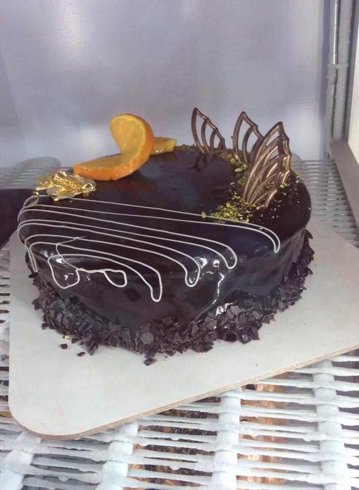 Chocolate ice cake art