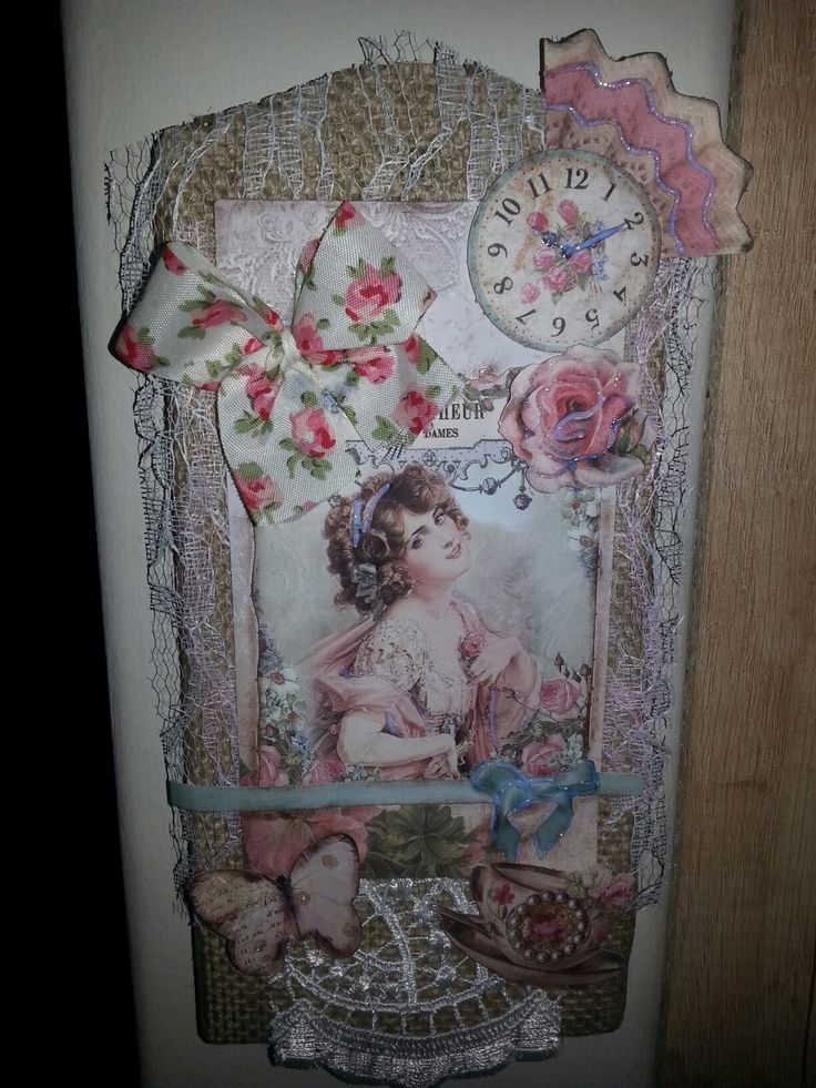 From a wooden board to a romantic #frame with #burlap,  #laces and  #scrapbook in papers.