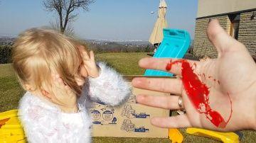 Папа получил Травму ПОРЕЗАЛ ПАЛЕЦ БОЛЬШАЯ Посылка для Алисы собираем Горку Автобус  Toys for Kids http://video-kid.com/21484-papa-poluchil-travmu-porezal-palec-bolshaja-posylka-dlja-alisy-sobiraem-gorku-avtobus-toys-for.html  Инстаграм моего Папы  КОНКУРС на 5 ГИРОСКУТЕРОВ среди подписчиков ! УСЛОВИЯ : КАК ТОЛЬКО на одном из НАШИХ 8-ми каналов будет 500 000 подписчиков , МЫ РАЗЫГРАЕМ первые 5 ГИРОСКУТЕРОВ !1) КАНАЛ Мамы и Папы ( Maxim Rogovtsev ) - 2) НикольАлиса LIFE - 3) БАБУШКИНЫ СКАЗКИ…