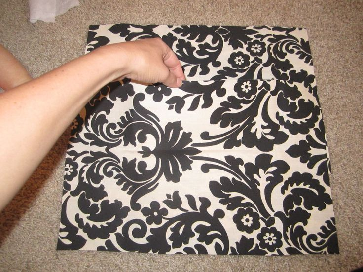 Throw Pillow Cover Pattern With Zipper : DIY - no zipper pillow cover (envelope back) Crafty Pinterest Zippers, Pillow covers and ...