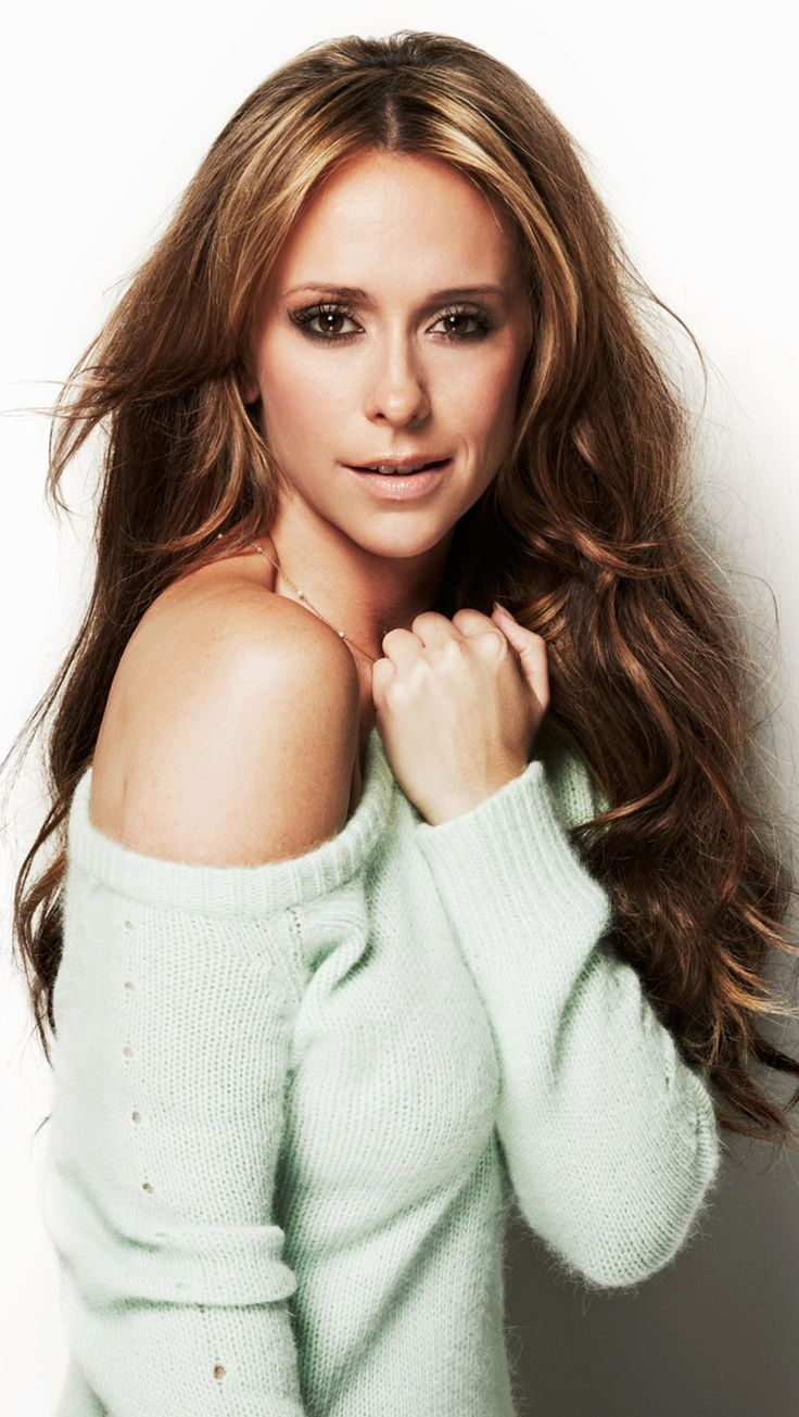 Beautiful Style Pisces - Jennifer Love Hewitt - simplysunsigns.com/