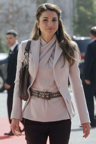 Royal Style – reine Rania de Jordanie - Rania, la quarantaine épanouie
