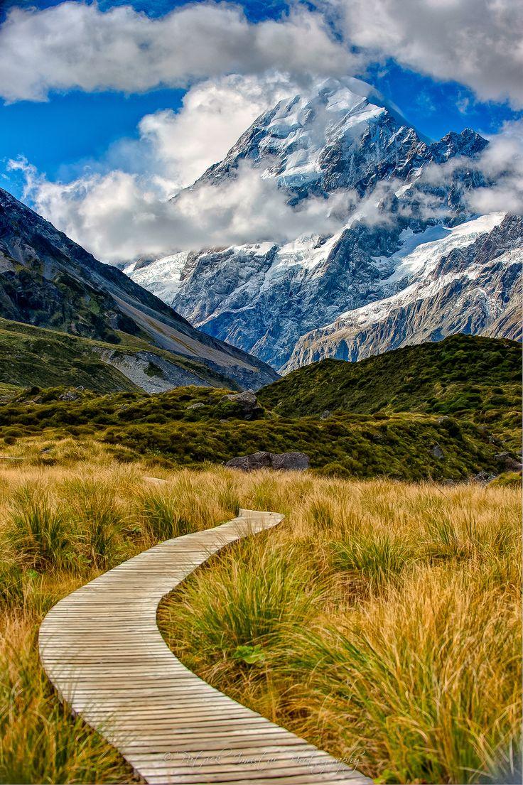 ˚Hooker Valley Track - Zealand #newzealandwalkingtours #newzealandwalkingtrails #newzealandwalkingtracks http://newzealandwalkingtours.com