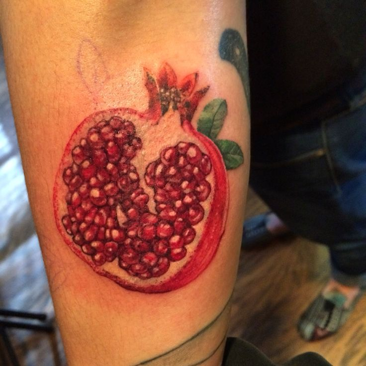 92 best ideas about tattoos on pinterest pomegranates love tattoos and harry potter tattoos. Black Bedroom Furniture Sets. Home Design Ideas