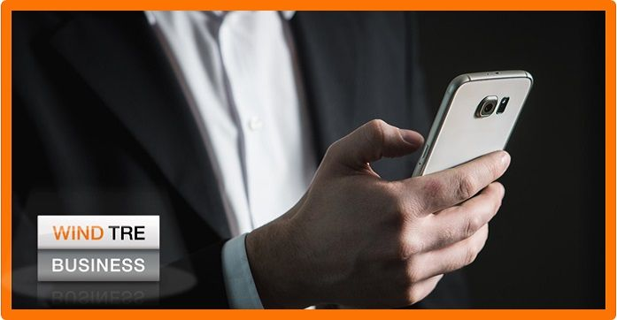 Sappiamo che spesso il telefono aziendale NON è usato sempre in modo aziendale. Se ascolti musica, vedi video e sei sui Social i Giga esauriscono in breve tempo,  la soluzione è Smart Share. L'offerta SmartShare ricaricabile è dedicata alla condivisione dei Giga tra i propri collaboratori. Offre fino a 100 Giga da condividere tra più collaboratori, Minuti Illimitati e SMS sempre inclusi. I Giga, i minuti e gli SMS sono validi in UE, USA e Svizzera!