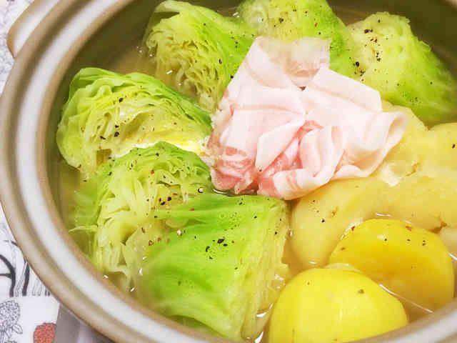 【話題入り】じゃが芋キャベツの塩バター鍋の画像