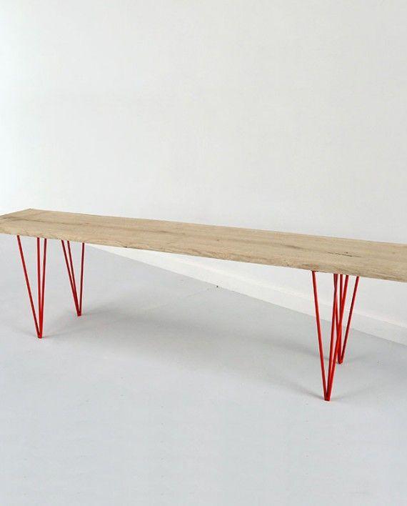 pieds metal rouge pour bancs et assises en bois brut