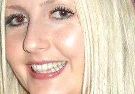 2-Jun-2013 13:07 - JONGE VROUW OVERLIJDT AAN SLECHT KAPSEL. De Britse tabloid The Sun bericht vandaag het waargebeurde verhaal van een 26-jarige vrouw die mogelijk zelfmoord heeft gepleegd na een teleurstellende knipbeurt. Afgelopen woensdag raakte ze vermist, toen ze naar haar kantoorbaan had moeten gaan. Frankie Warren had geen geld of bezittingen bij zich. Ze werd dood gevonden.