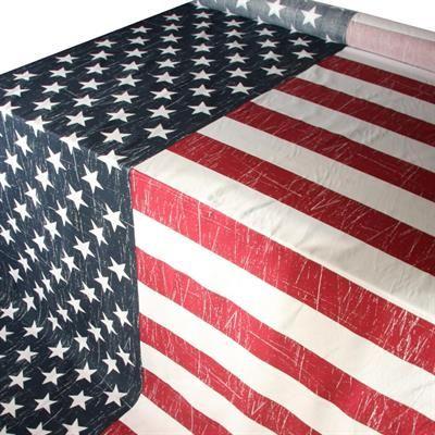99.00 DKK. pr meter Stof med det Amerikanske flag. Blødt og lækkert bomuldsstof med flot USA print. Stoffet er 150 cm bred, hvoraf den blå del med hvide stjerner er 67 cm bred. USA flag stoffet sælges i løbende hele meter. #starsandstripes #metervare #stof