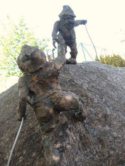 Alpinki - Wroclaw climbing dwarfs
