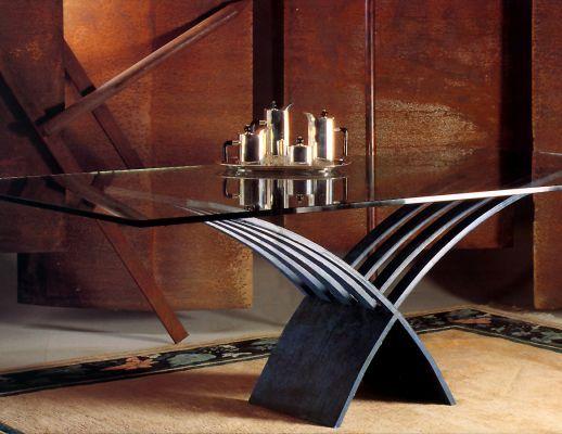 Preciosa mesa de comedor con cristal de 19 mm
