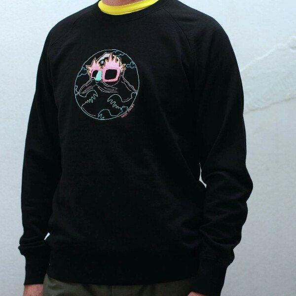Black organic cotton embroidered sweatshirt !!