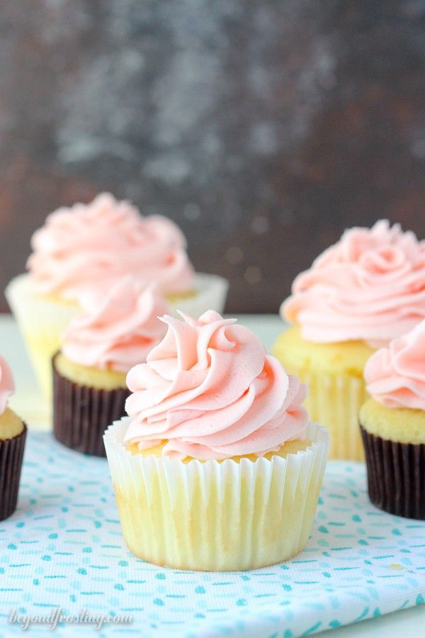 Everything you need to know when it comes to baking cupcakes. This is your go-to guide for how to bake the perfect cupcakes. Over the last several years I've baked a LOT of cupcakes and I am not ashamed of going through the checkout line with 30 boxes of cake mix. You will find quite …