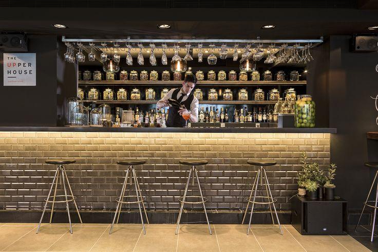 Ελάτε σήμερα το απόγευμα στο The Upper House και απολαύσετε το αγαπημένο σας ποτό ή cocktail με φίλους και διασκεδάστε με θέα την νυχτερινή Αθήνα! #TheUpperHouse #UpperHouseAthens #CityLink #Athens #Restaurant #AthensRestaurant #Cafe #AthensCafe #CoffeeHouse #Coffee #CoffeeInAthens #AthensCoffee #AthensCoffeeHouse #Drink #Beverage #Bar #BarInAthens #AthensBar