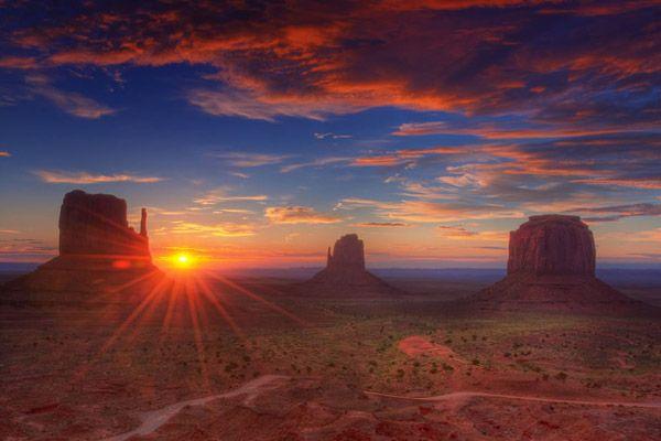 モニュメントバレー(Monument Valley)