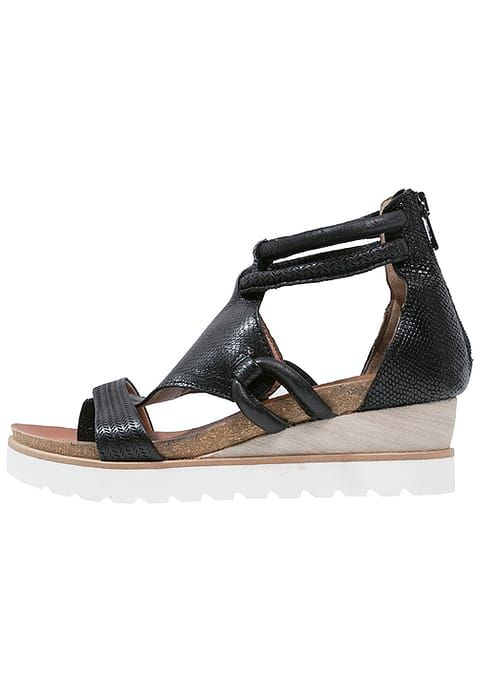 MJUS TAPAS - T-bar sandals - nero for £99.99 (22/01/17) with free delivery at Zalando