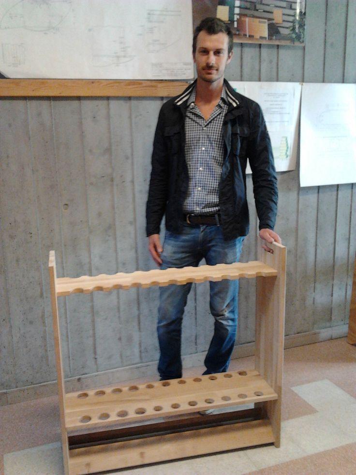 """Giorgio Costoli con il progetto """"porta canne da pesca"""""""