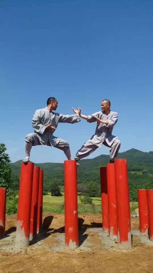 Training Shaolin Kung Fu at Songshan Shaolin Traditional Wushu Academy with Shifu Shi Yan Jun. http://kungfushaolins.com