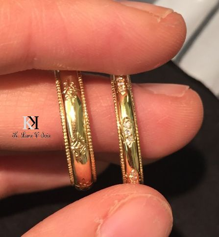 Elegant wedding bands are designed and made with 18Kt gold, engraving by K. Lara Gioielli & Scia Boutique