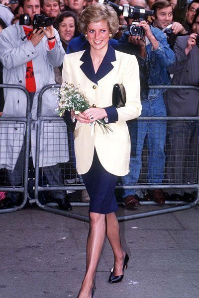 November 20 1989 Princess Diana attends the Panasonic London Sports Personality of the Year Awards Luncheon in aid of the Greater London Fund for the Blind at the Cafe Royal,