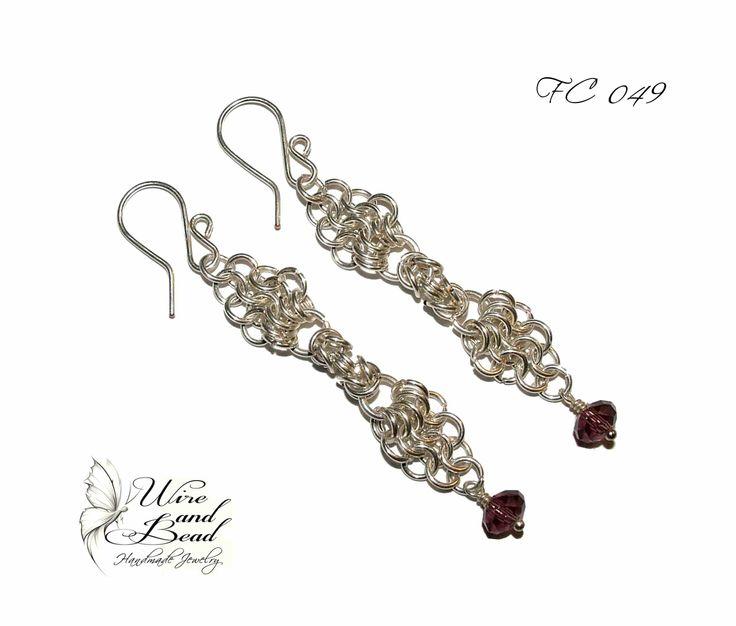 Ezüstözött Chainmail fülbevaló lila gyöngyökkel