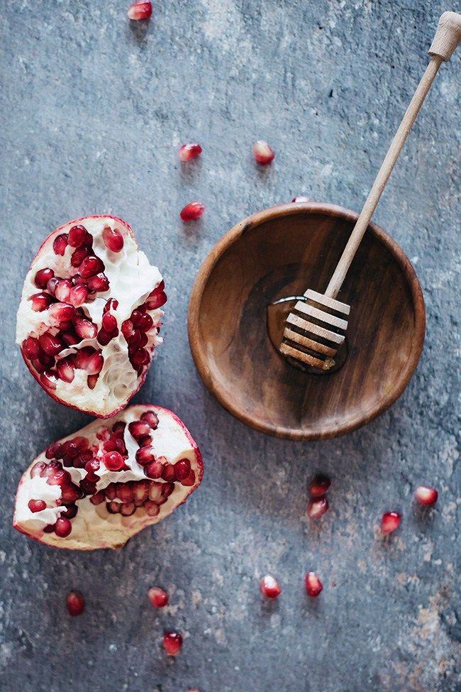 Fight Aging   Acne With 4 DIY Pomegranate Beauty Recipes