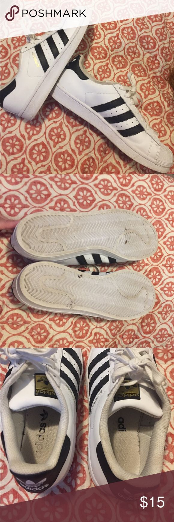 Adidas Shell Tops Slightly used Adidas Shell Tops. Size 8.5. Bottoms are in a really good condition. A couple of minor scratches. Perfect for back to school! adidas Shoes Athletic Shoes