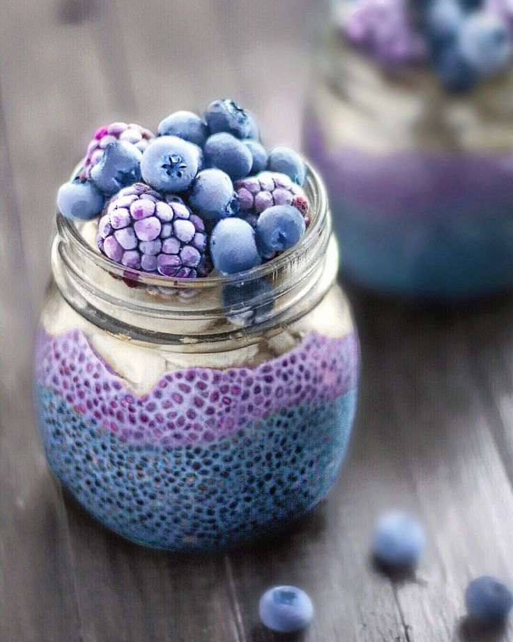 jolayered breakfast jars filled with two layers of chia