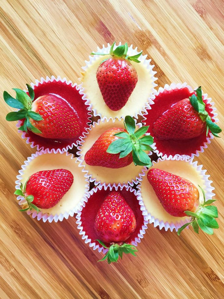 Whenever I have cravings for desserts, I wish I can bake something delicious within the shortest time and with ingredients that are readily available. Most of the recipes I tried so far are too complex and time consuming. Since I have some leftover cream cheese and a punnet of fresh strawberries, I decided to bake…