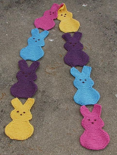 This cute scarf is inspired by Peeps Marshmallow Bunnies - it's good enough to eat! Get the free knit pattern and make it now with Lion Brand Vanna's Choice!