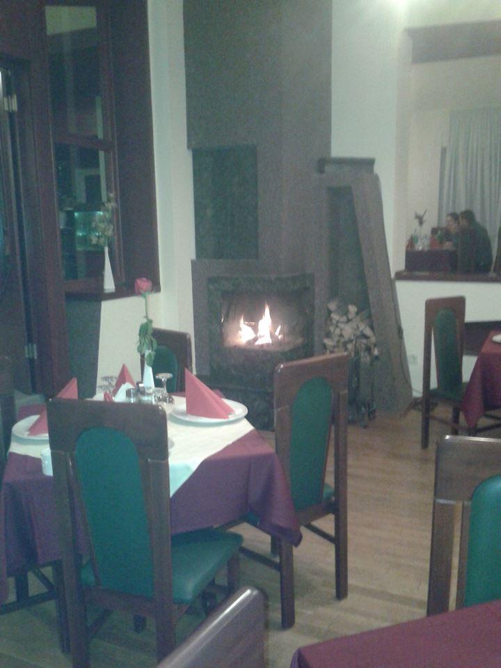 Într-un ambient deosebit, retras, Restaurantul Miraj va ofera preparate cu specific marin si nu numai.