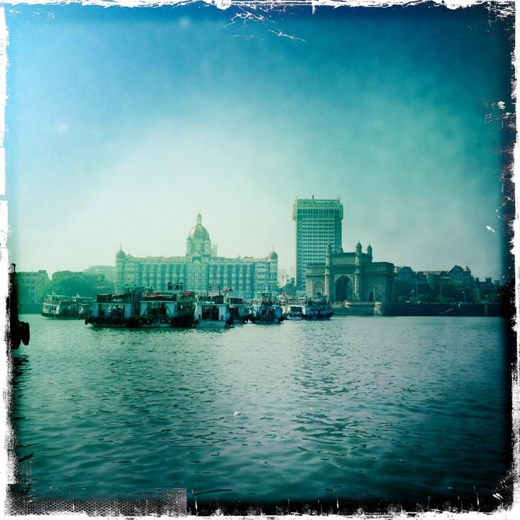 Mumbai. Boat arrival