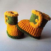 Работы для детей, ручной работы. Ярмарка Мастеров - ручная работа Пинетки-сапожки желтые для девочки. Handmade.