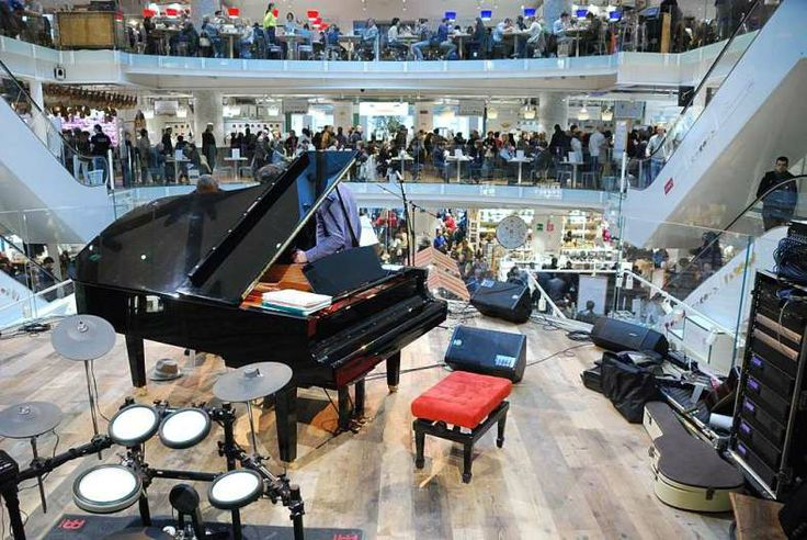 Eataly store: the concerts stage