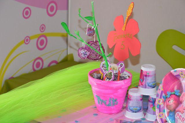 Trolls party - idee - festa di compleanno a tema trolls. Centrotavola
