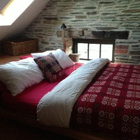 welsh wool woven blankets on bed in crog loft