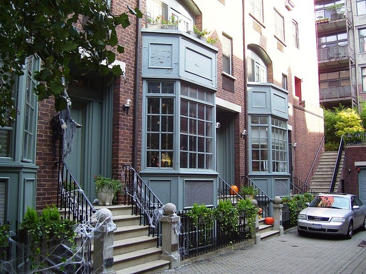 Greenwich Mews, The Village, NYC (Mews were places where the horses were originally parked, i.e. stables - now most of the mews/stables were renovated into residences for humans.)