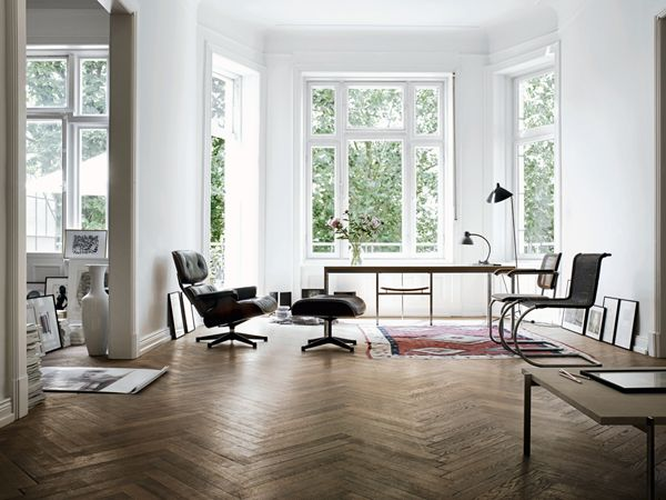 Wolfgang Behnken's apartment in Hamburg, Germany / photo by Marc Seelen: Bays Windows, Living Rooms, Open Spaces, Chairs, Interiors, Eames, Herringbone Floors, Design, White Wall