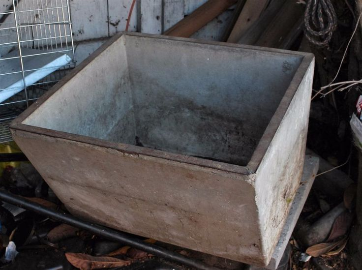 Old Vintage Concrete Farmhouse Single Bowl Sink Farm Wash Basin Drain  Salvage. 17 Best images about Big Old Sink in Cellar on Pinterest